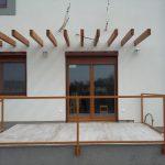 Fa ablakok, külsőtokos alumínium redőnnyel, szállítva beépítve!