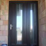 Borovi fenyő bejárati ajtó 88mm-es profilvastagság fix oldal világítóval 051