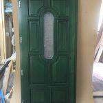 Minőségi alapanyagból készült fa bejárati ajtó, egyedi forma egyedi szín, delta matt katedráll üvegezéssel!