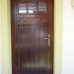 Borovi fenyő fa bejárati ajtó egyedi stílusban, ipari felület kezeléssel! 048