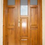 Csomó és vetemedésmentes borovi fenyő fa bejárati ajtó 052