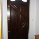 Kiválló minőség, elegáns megjelenés, borovi fenyő bejárati ajtó!
