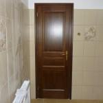 Borovi fenyő fa beltéri ajtó, ipari felületkezeléssel, egyedi igények szerint.
