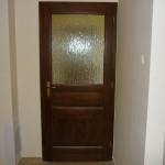 Borovi fenyő fa beltéri ajtó, üveges kialakításban, egyedi méretben.