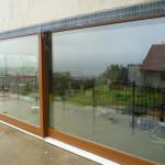 Toldás mentes borovi fenyő emelő toló erkély ajtó háromrétegű üvegezéssel, 6m -es hosszban!