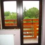 Csomó és vetemedés mentes fenyő fa ablak, erkély ajtóval sorolva, színre kezelve!
