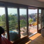 Kétoldali emelő-toló fa erkély ajtó 6 méter szélességben 3 rétegű üvegezéssel méreter gyártva, ipari felületkezeléssel, kiszállítva, beépítve!