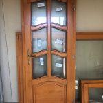 Borovi fenyő fa bejárati ajtó, egyedi formára gyártva!