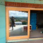 Emelő-toló fa nyílászáró, GU professzionális vasalattal, méretre gyártva beépítve.