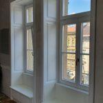 Fa ablak 92mm-es profilból 3 rétegű fokozott hőszigetelésű üveggel, mélybéléssel, egyedi méretre gyártva.