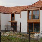 Egyedi méretű osztott fa ablakok, 78mm-es tok vastagság, háromrétegű üvegezéssel, beépítve 3 év garanciával.