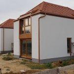 Méretre gyártott fa ablakok, emelő-toló erkély ajtók, professzionális Roto NT vasalattal, ipari felület kezeléssel.