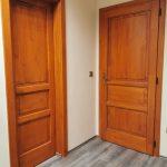 Méretre gyártott tömör fa beltéri ajtók, hossztoldott csomó és vetemedés mentes borovi fenyőből.